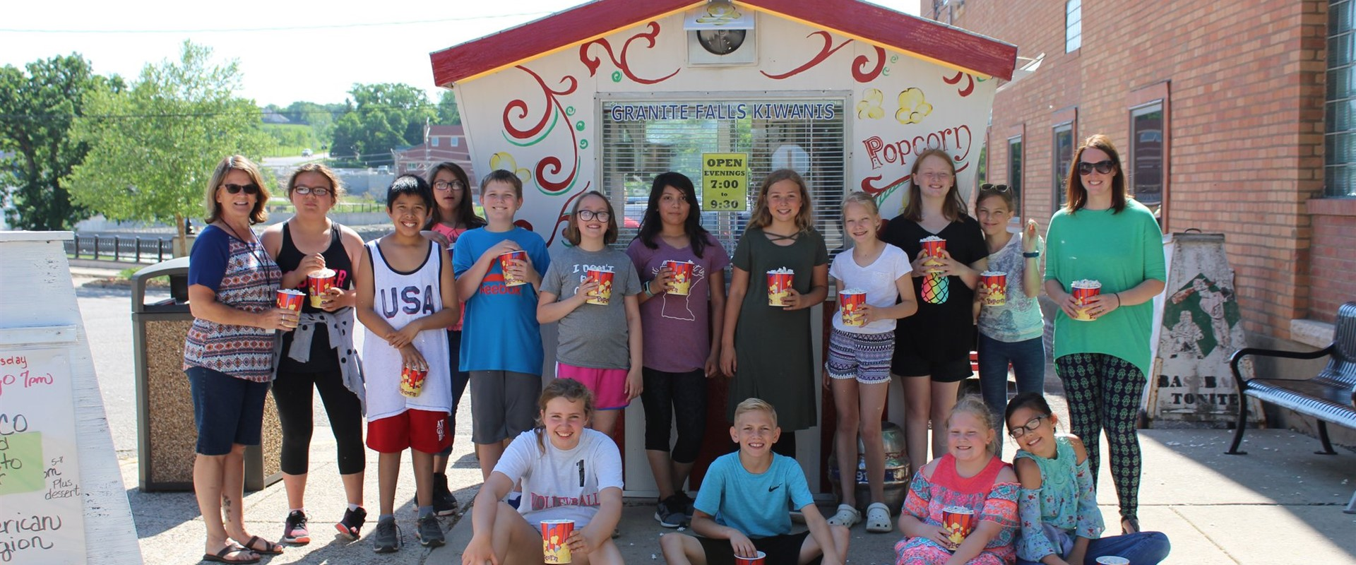 Mrs. Paslawski's class enjoying a treat from the infamous Kiwanis Popcorn Stand!